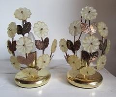 Paire de lampes vintages des années 70 , métal doré, fleuri , vendue