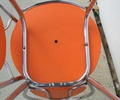 Paire de chaises vintages oranges