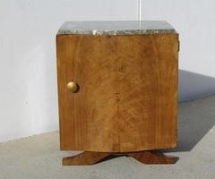 Chevet art deco en placage de noyer des années 30-40 , vendu