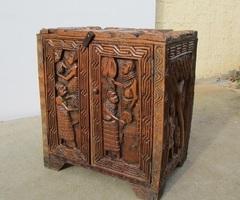 Buffet bar africain en bois exotique , vendu