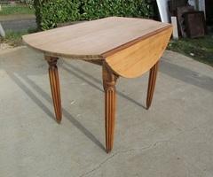 Petite table à abattant en peuplier massif , vendue