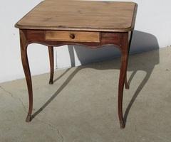 Très ancien table bureau en pin massif, vendue