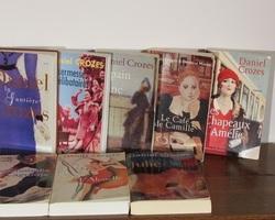 8 livres brochés Daniel Crozes , littérature