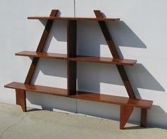 Etagère pyramidale en teck massif , vendu