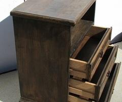 Petit meuble d'appoint , chevet ou entrée