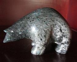 Sculpture de pierre à savon : Ours polaire signé Ross Parkinson
