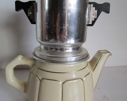 Cafetière Pégase vintage, 2 tasses, en céramique