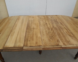 TABLE RONDE 6 pieds, ouvrante jusqu'à 12 à 14 convivesTABLE RONDE 6 pieds