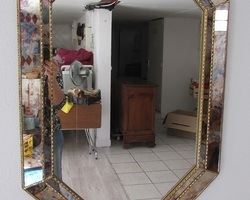 Miroir octogonal à parecloses,églomisé