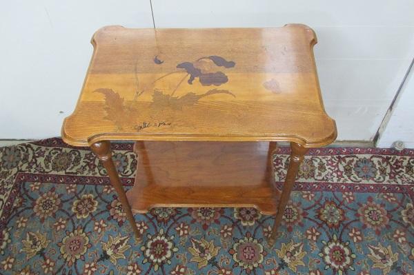 Table à thé signée E.Gallé, art Nouveau