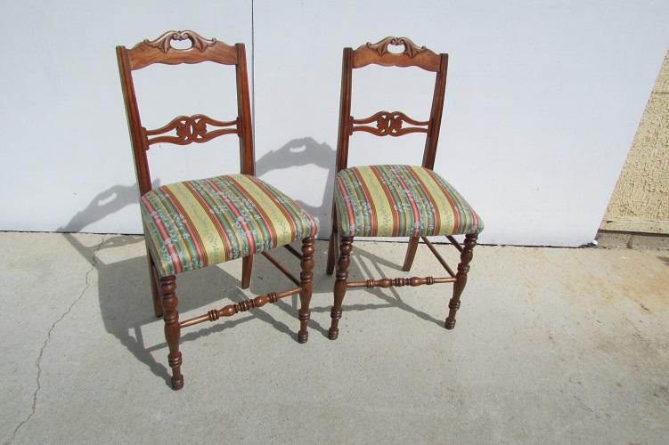 Série de 6 chaises, en merisier, 1900s
