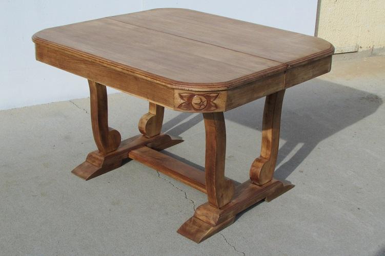Table Art déco, pied berceau, ouvrante, jusqu'à 18 personnes
