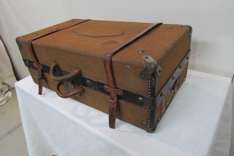 Valise en bois  , lin et cuir , 1920-1930