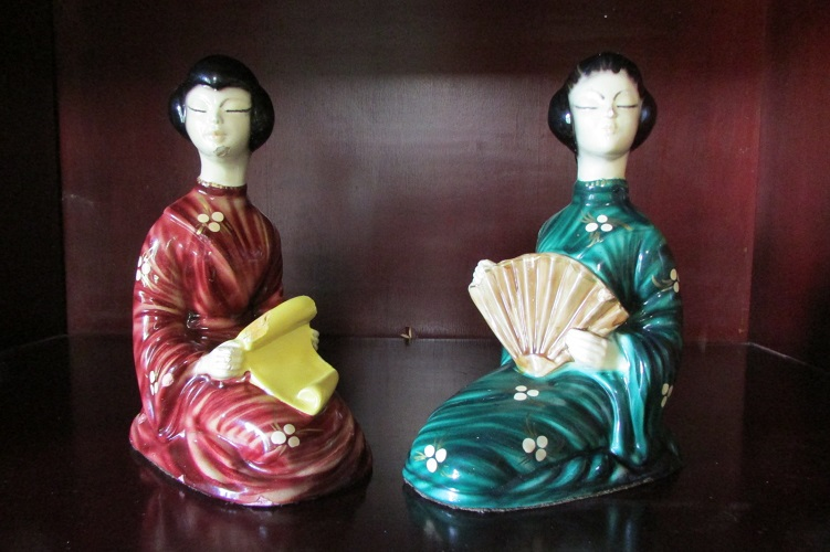 Paire de statuettes : Geishas signées Léo Giovanni Pagliai
